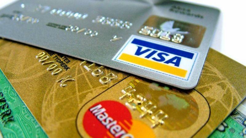 какой картой лучше расплачиваться в европе Visa или Mastercard